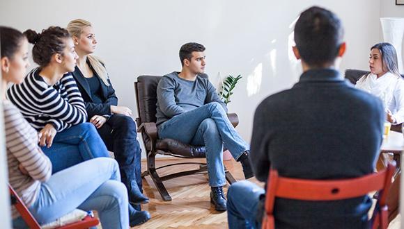 טיפול קבוצתי וסדנאות בשירות הפסיכולוגי